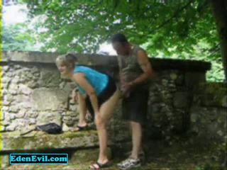 Ik neuken mijn shameless vrouw in de park