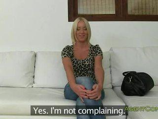 Gorące blondynka amatorskie fucked z za na casting
