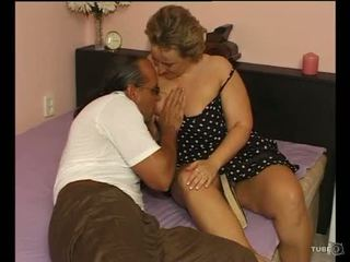 A seksualu apkūnu ponia loves seksas