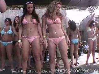 Whipped cream rinnanibud licking esimene aeg nervous kolledž lesbid võistlus