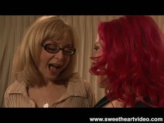 Nina hartley fucks một phụ nữ đẹp lớn readhead til họ cả hai cum