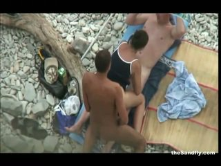 Thesandfly heetste publiek strand actie!