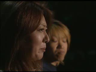 Japansk mamma looks til cocks video