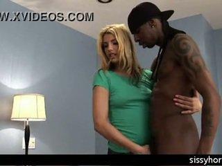 Hoorndrager vernedering interraciaal sissy orgie vrouw groot lul milf slet sissyhorns.com