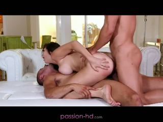 Passion hd: primo dp per pupa holly michaels