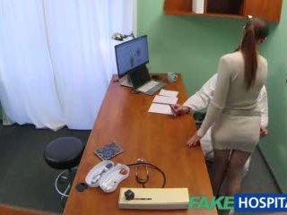 Fakehospital doctor gets sexy patients coño mojada