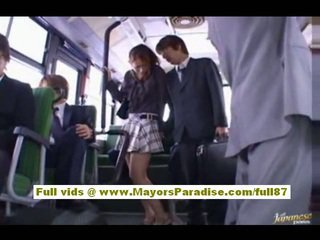 Nao yoshizaki секси азиатки тийн на на автобус