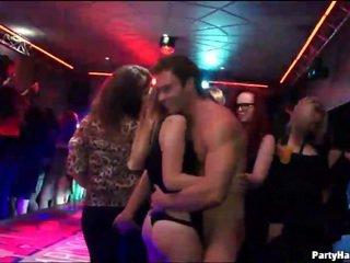 Party meisjes clubbing en neuken