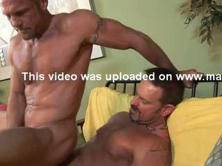 Str8 hung 6'7'' firefighter has гей секс.