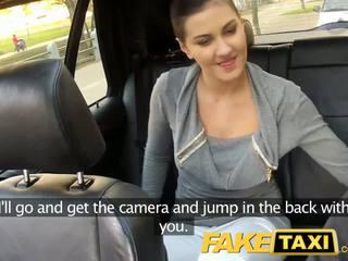 Faketaxi asiento trasero sexo en público roadside