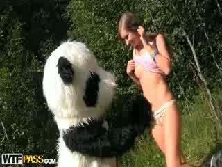 Verdorben mädchen was tied und gefickt von panda
