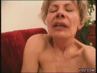 Two blondie babičky vše fired nahoru pro female ejakulace