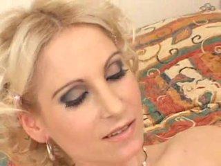 Matainas blondīne pakaļa jāšanās