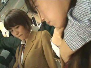 Awam perverts harass warga jepun schoolgirls pada yang keretapi