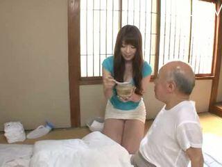 브루 넷의 사람, 일본의, 아기