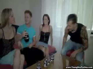 nhóm quan hệ tình dục, blowjob, tóc đỏ
