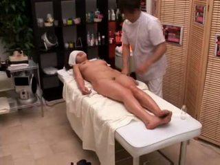Kolej gadis seduced oleh masseur