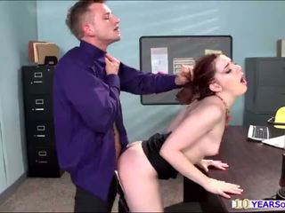Hot redhead ember stone gets her bokong cheeks spanked by a large kontol