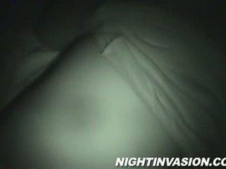 যখন সে sleeps