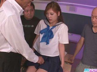 Skolniece yura kasumi ir a karstās japānieši sperma meitene