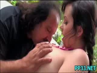 Manis cantik babe adalah addicted kepada besar bermakna cocks