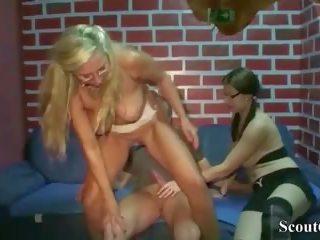 ألماني موم علم virgin خطوة ابنة كيف إلى اللعنة مع