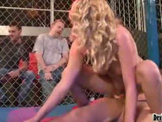 Codi carmichael blondi vauva having a kova seksi
