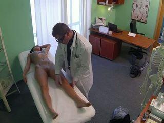 Зашеметяващ pole dancer прецака от лекар в fake