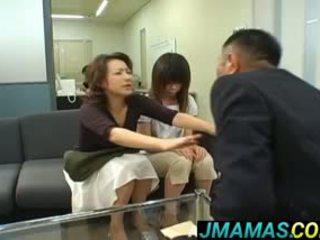 Miki yoshii и мама mouths прецака от men