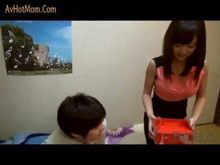 Quente japonesa mãe 39 por avhotmom