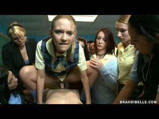 Brandi belle ve kızlar entice unbending wang ipek ve tıbbi onu kapalı