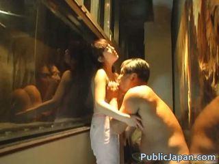 Asiática boneca é um bizarro amadora quem