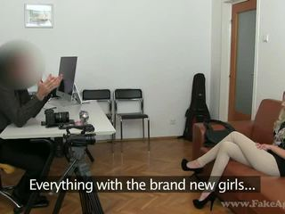 Slim blond julia enjoys henne porno tryout
