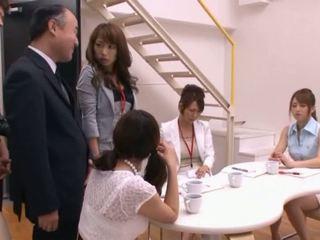 Japansk av modell suging kuk