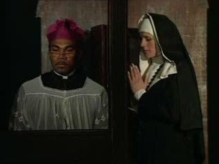 Това монахиня sins и мъст confess