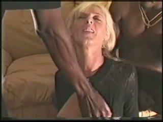 Ώριμος/η ερωτύλος σύζυγος loves μαύρος/η cocks βίντεο