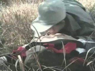 Innocent lány gets szar szabadban videó