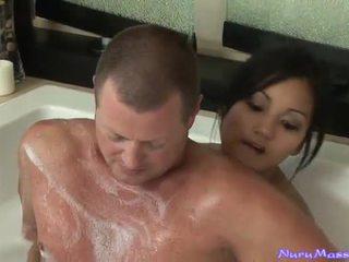 An unusual การนวด หลังจาก taking a tub ร่วมกัน
