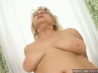Ik wanna sperma binnenin uw grootmoeder #03