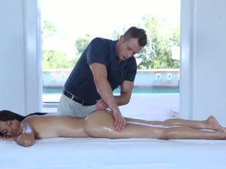 Caldi erotico massaggio per uno molto graziosa 18yo giovanissima