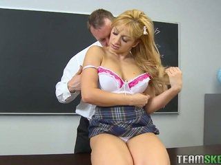real coed ideal, real college girl hq, ideal cute check