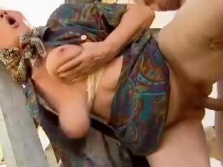 2 ферма баби seduced от млад мъж