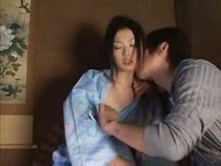 Japoneze incest argëtim bo chong nang dau 1 pjesë 1 nxehtë aziatike (japanese) adoleshent