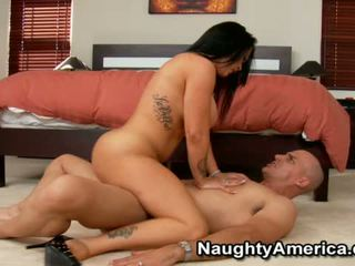 Jenna Presley Has Great Load On Her Moth
