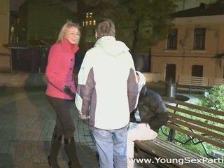 brunette film, groot doggystyle, gratis paardrijden
