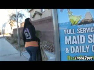 Caroline pierce wetting ผ้าแสปนเด็กซ์ กางเกงรัดรูป ด้านนอก ใน สาธารณะ