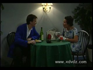 Two בורלסקה performers tatianna cortez ו - shyla foxxx ב אותו מיטה שם הם יכול לעשות אהבה