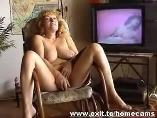 Frida 55 years from Austria masturbates at