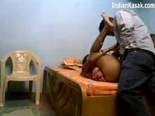 Indiana servant a foder muito difícil com houseowner em quarto