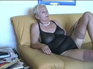 Older woman teaching youger babe mindi mink cadey mercury - 2 part 1